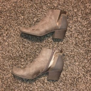Tan chunky heel women's ankle boots